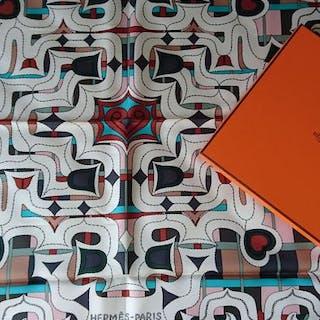 "Hermès - Foulard Hermès ""Esprit Ainou"" par Natsuno Hidaka.Neuf. Rare Schal"