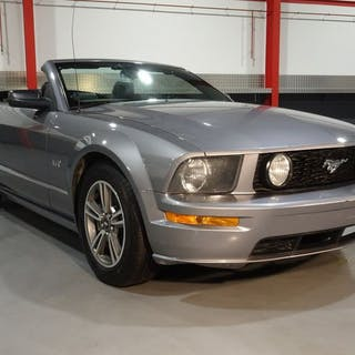 Ford - Mustang GT - NO RESERVE - 2006