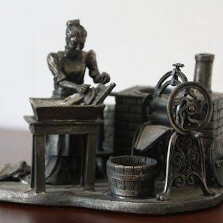 John Ball  - Evergreen Studio Collection - Statuetta/e