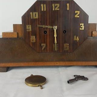 Amsterdamse School Clock - Wood Coromandel and Oak - First half 20th century