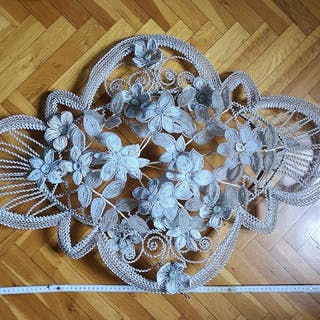 Large garland of glass beads