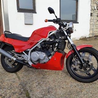 Honda - VF 1000 F - SC 15 - 1000 cc - 1990