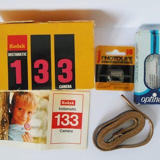 Kodak Instamatic 133 in original box