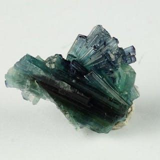Paraiba Farbe Blue Turmaline (Indigolite) schöne Form...