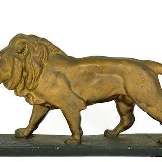 Skulptur eines stehenden Löwen - Niederlande - ca. 1930