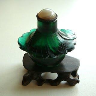 Tabatière - Verre de Pékin - fleur - Chine - late Qing period