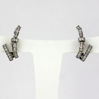 Chanel - 18 kt. White gold - Earrings - Diamonds
