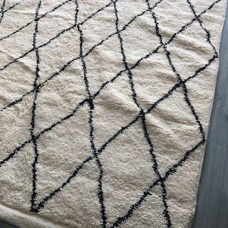 Carpet - 300 cm - 200 cm