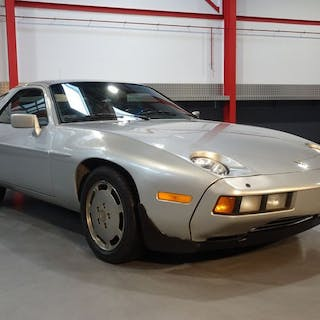 Porsche - 928 4,5L V8 Sunroof Coupe - 1982
