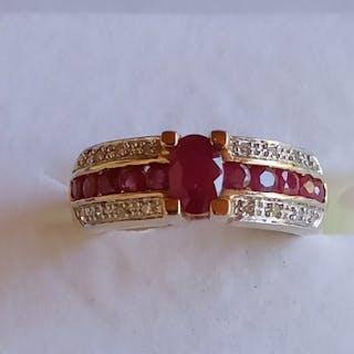 14 kt. Yellow gold - Ring - 0.55 ct Ruby - Diamonds, Ruby