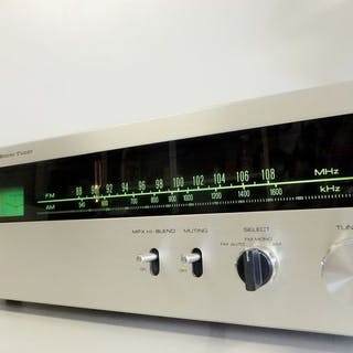 JVC - VT-700Solid State FM/AM stereo - Radio