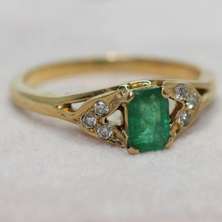 18 kt. Yellow gold - Ring - 1.00 ct Emerald - Diamonds
