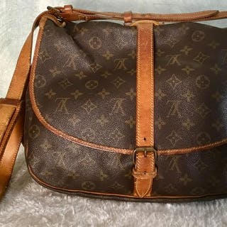 Louis Vuitton - Saumur 35 Crossbody bag