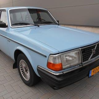 Volvo - 245 - 1982