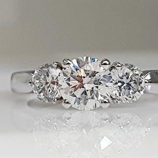 18 kt. White gold - Three Stone Ring - 1.37 ct Diamond - No Reserve SI1
