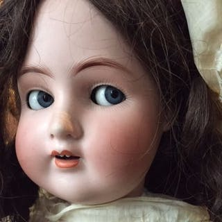Alt Beck & Gottschalck - antique doll with flirting eyes - 1920-1929 - Germany