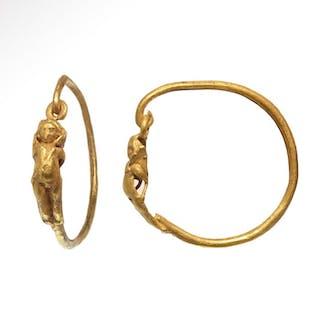 Antigua Roma Oro Pendientes de aro con Eros de Cupido