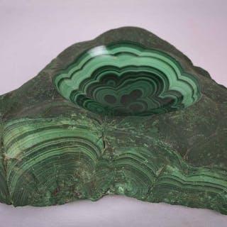 Malachit Krippe / Aschenbecher Rau und teilweise poliert - 7×22×17 cm - 3850 g