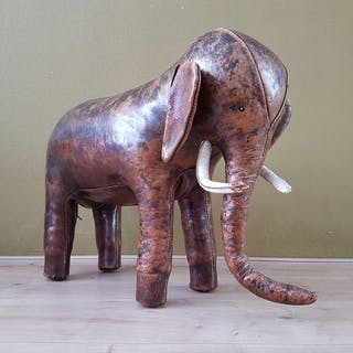 Dimitri Omersa - Omersa - footstool / decoration (1) - Olifant