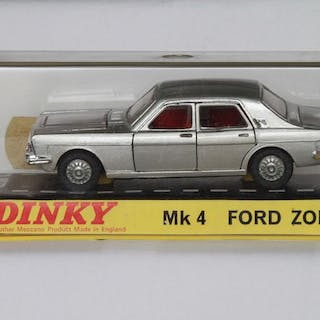 Dinky Toys - 1:43 - Ford Zodiac nr 164 - Made in England