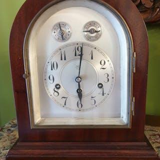 Mantel clock - Junghans - Wood - First half 20th century