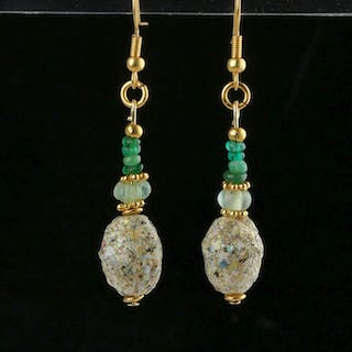 Ancient Roman Glass Earrings with green glass beads - 56 mm - (1)