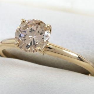 14 quilates Oro - Anillo de diamantes con 0.66ct. Solitario VS2 centro.