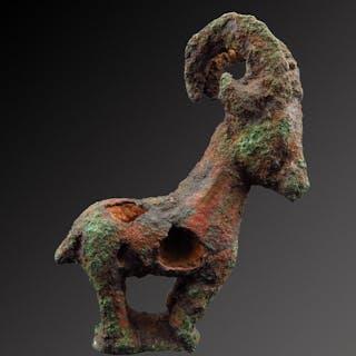 Luristan Bronzo stambecco - 7×4.5×2.5 cm - (1)