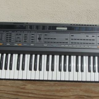 Vintage Roland E20 Synthesizer - Synthesizer - Italie - Japan - 1988