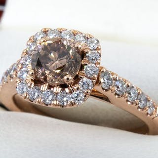 14 kt. Gold - 1.08Ct - Diamond ring with 0.54ct. solitair VS2 center.
