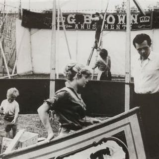 Felix H. Man (1893-1985) - 'Setting up a wander circus', 1936