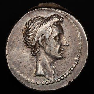 Roman Republic - Denarius - Julius Caesar