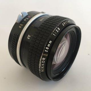 Nikon  NIKKOR 28mm 1:2,8