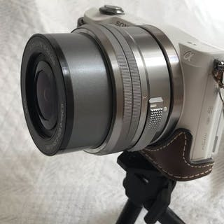 Sony -Alpha 5000 Winziger Riese Digital Kamera