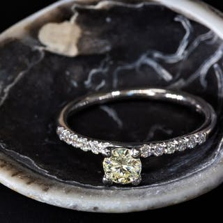 14 kt. White gold - Ring - 0.50 ct Diamond - Fancy Yellow...