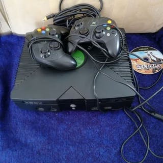 Microsoft XBOX Classic with 2 controllers all cables...