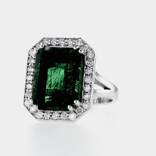 14 kt. White gold - Ring - 8.34 ct Emerald - Diamonds