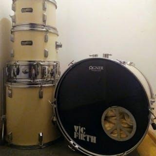 Thunder - Schlagzeug