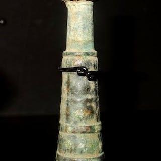 Luristan Bronzo Kohl pot e il suo applicatore - 12.2×9.1×2.4 cm