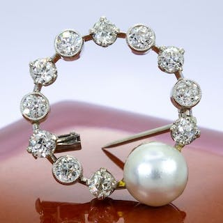 14 kt. Gold - 1.65Ct - Diamond round broche with large diamonds & pearl.