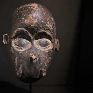 Maschera (1) - Legno - Ngi mask (Monkey face)  - Bulu - Camerun