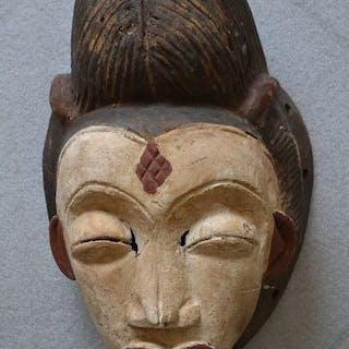 Grand masque féminin - Bois - Punu (ou Bapounou) - Afrique - Gabon