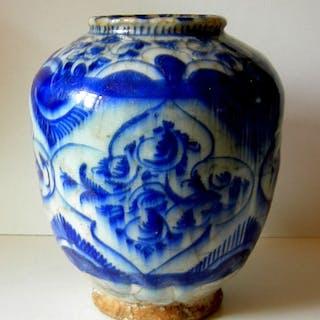 Jar (1) - Ceramic - Mamluk Iran / Syria - 16 / 17th century