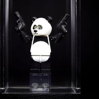 LEGO - MOC - 1/10 - Statuetta Julien d'Andon 'Bad Panda' by Eddy Plu