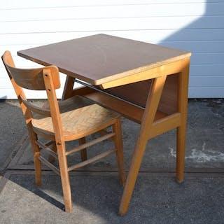 Chair, Desk (27)
