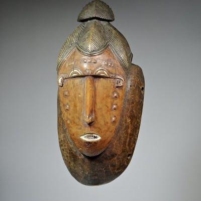 Face mask- Wood, Pigment - SUPERB OLD MASK- GURO / BAULE - Ivory Coast