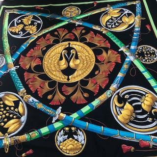 Hermès - foulard châle Hermès en cachemire et soie model sabre scarf