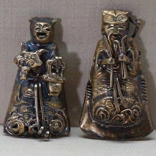 Ornamento del cappello (2) - Metallo - Man and lady with...