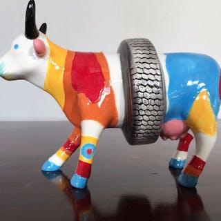 Kuhparade. Kuhparade. Moderne Kuh. Medium. Im Ruhestand 2000 (1)