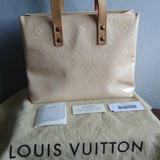 Louis Vuitton - Reade PM Handbag